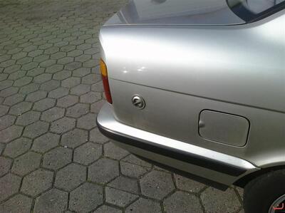 BMW E34 520i