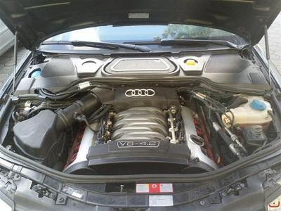 Audi A8 4,2